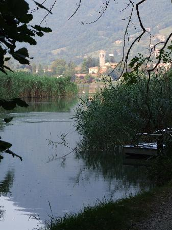 Monasterolo del Castello, Italy: Monasterolo viewed from Lake Endine