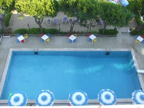 Mon Repos Hotel: Poolside view from our balcony