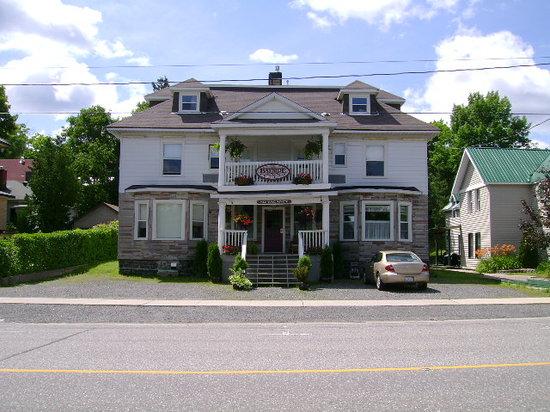 แพร์รีซาวน์, แคนาดา: Bayside Inn