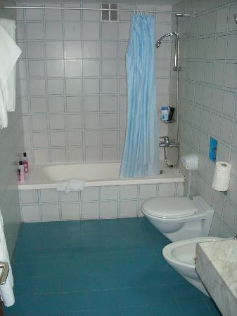 Aparthotel Costa Mar: Bathroom