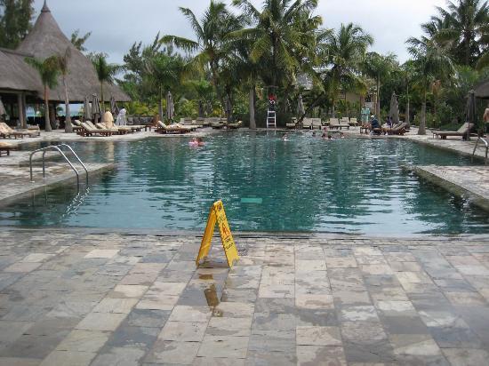 Club Med La Pointe aux Canonniers: Pool Area