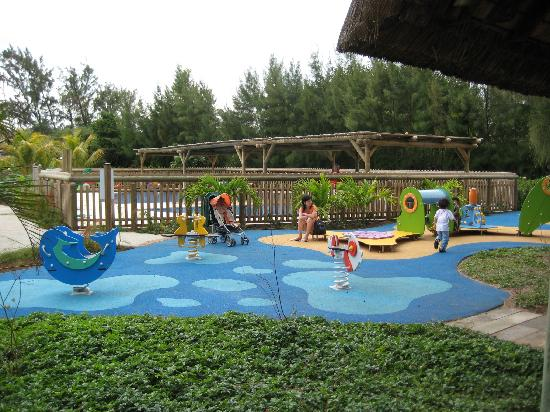 Club Med La Pointe aux Canonniers: playground and kids' pool