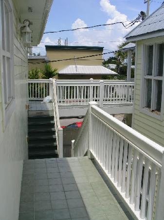 Budget Key West: Upstairs porch