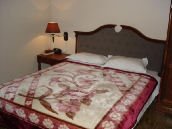 Dreams Hotel: QS Bed at Dreams - very comfy