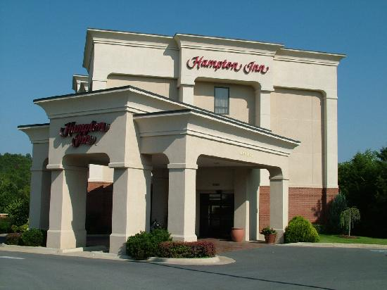Front Royal, VA: Hampton Inn - Outside