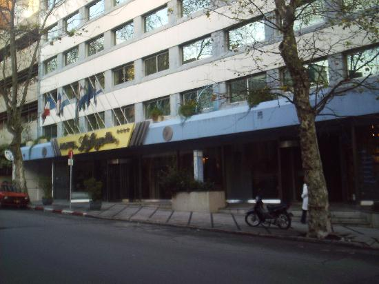 Hotel Lafayette: The front