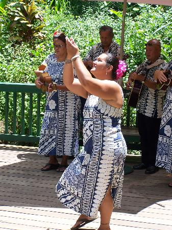 Best of Kauai Tour : Fern Grotto River Boat Tour, Hula