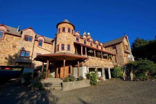 Arch Cape Inn & Retreat: Arch Cape House - Front