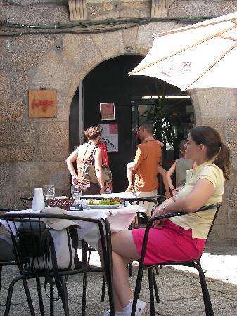 O Burgo: Burgo - outside - entrance