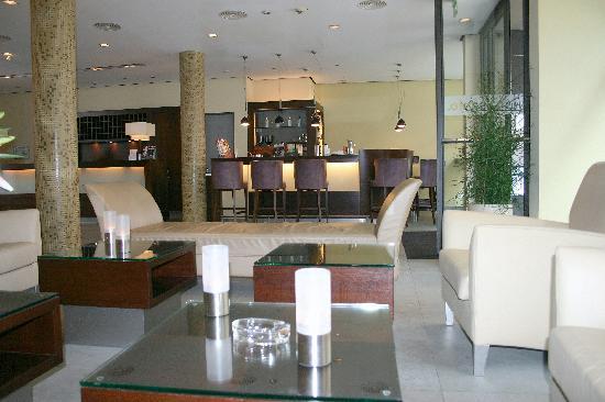 lobby hotel santo k ln picture of hotel santo cologne tripadvisor. Black Bedroom Furniture Sets. Home Design Ideas