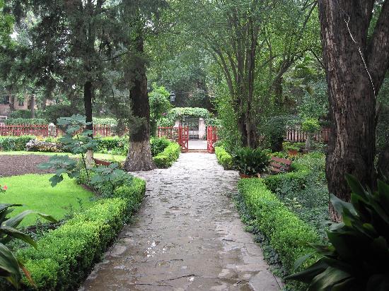 Hotel Rancho El Morillo: walkway