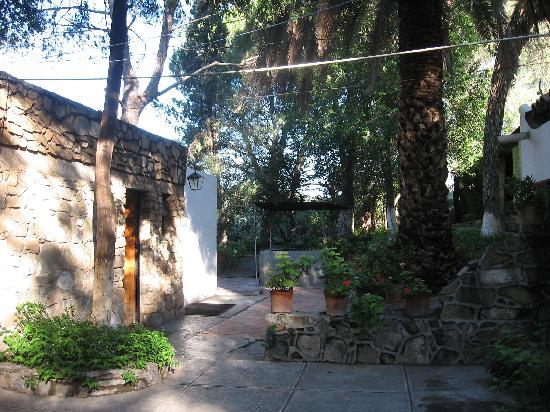 Hotel Rancho El Morillo: open area