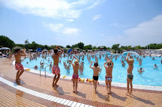 Sant' Angelo Village: la piscina