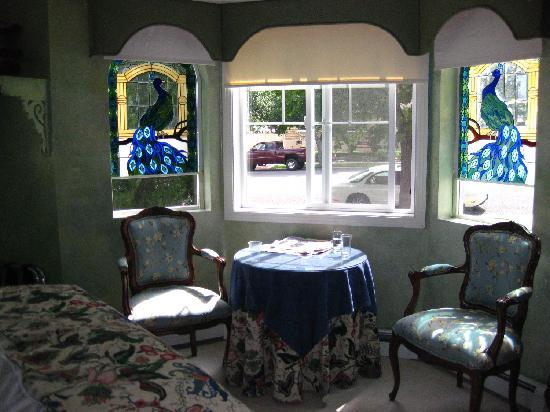 Amid Summer's Inn Bed and Breakfast: Amid Summer's Inn Peacock Room