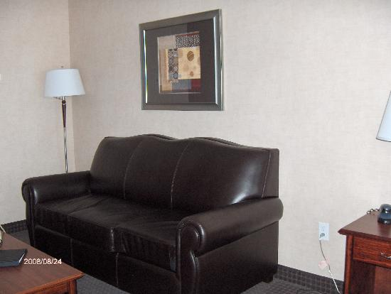 BEST WESTERN Cranbrook Hotel: Comfy couch
