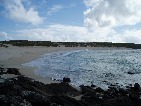 Lochmaddy, UK: One of the beautiful beaches on the west coast of North Uist
