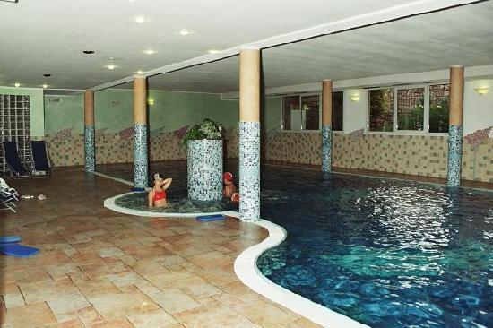 Predazzo, Włochy: piscina