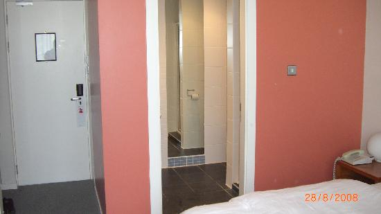 IMI Residence Dublin: Room 122 - 2/4