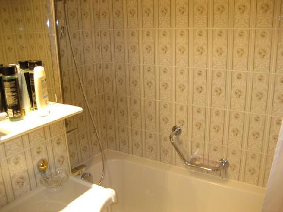 combined shower bath fotograf 237 a de hotel kreuz post
