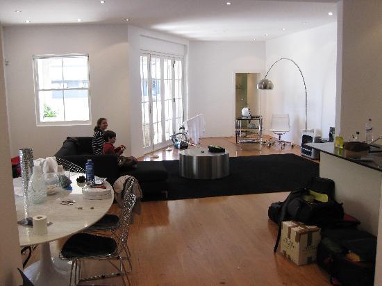 Photo of Apartment Hotel - 'The Sandridge Apartments' Bondi