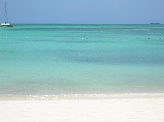 Aruba: Incredible beaches.