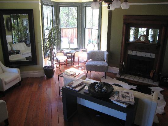 The Chanric Inn: Living area