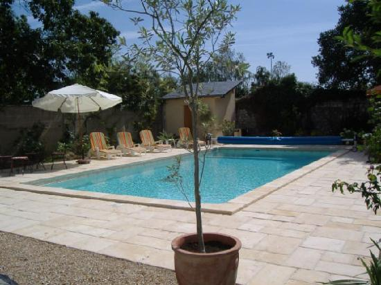 Les Vignes : Very warm pool