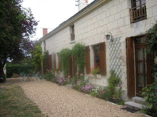 Les Vignes : Another view of the house