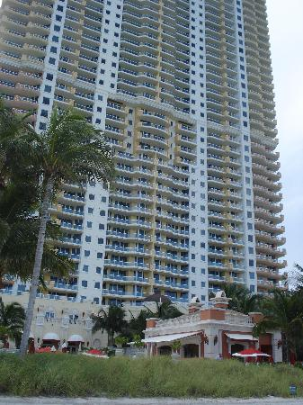 Acqualina Resort & Spa on the Beach: part of the 50 store hotel