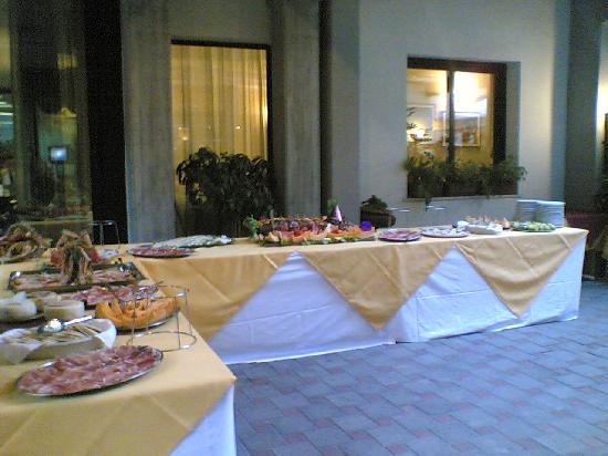 Numi & Medusa Hotel: buffet di benvenuto!!