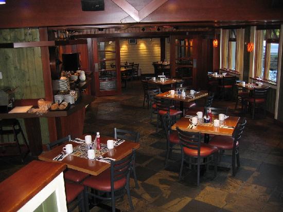 Fox Hotel & Suites: Breakfast restaurant