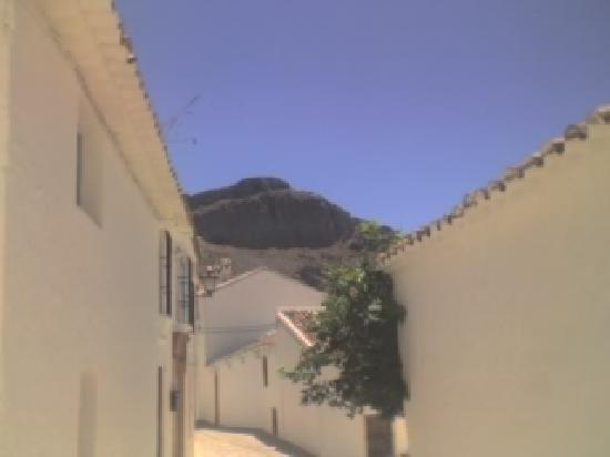 Benaocaz, Spain: White houses and the mountains