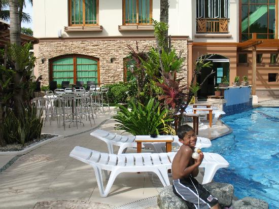 Boracay Beach Club: Poolside at BBC