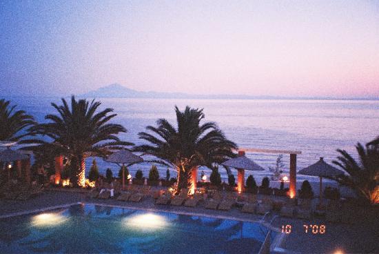 Alexandra Beach Thassos Spa Resort: The Night View
