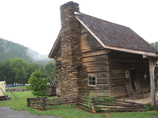 ‪Great Smoky Mountain Heritage Center‬