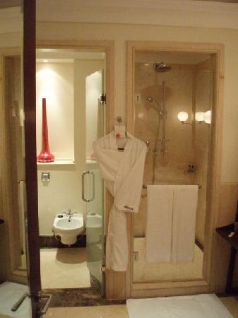 The Westin Dubai Mina Seyahi Beach Resort & Marina: Bathroom