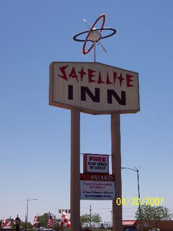 Satellite Inn