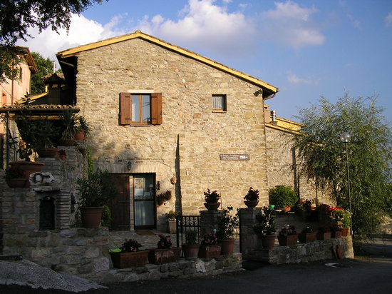 Valtopina, Italy: The House