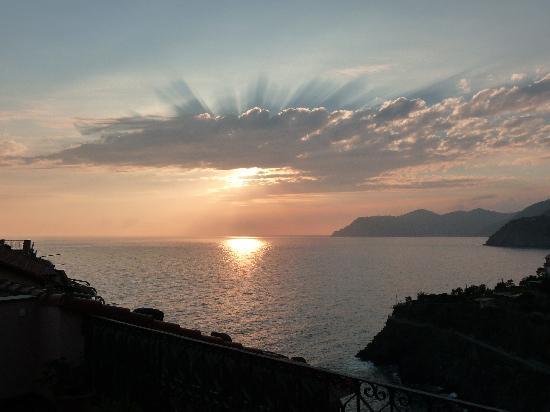 Alla Porta Rossa: Sunset off our terrace