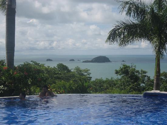 Parador Resort and Spa : CRica - HotelParador - the Infinity Pool