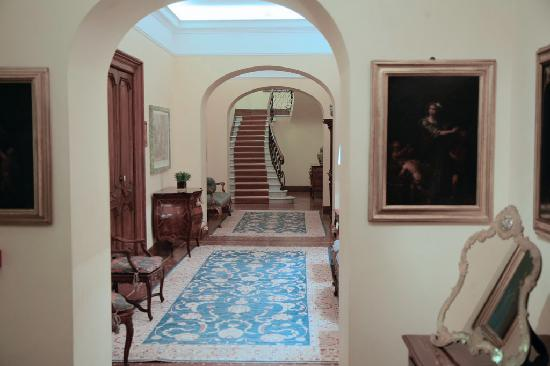 Villa Spalletti Trivelli: hall on the second floor