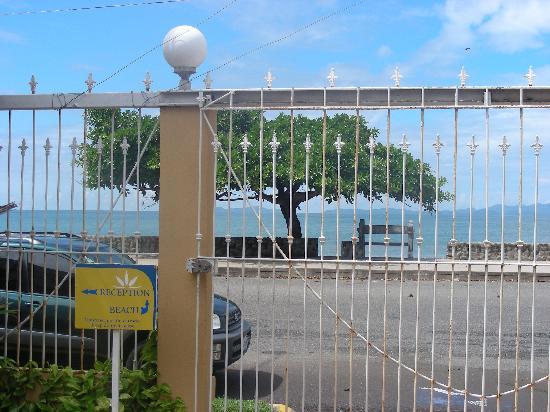Alamar Aparthotel: La clôture