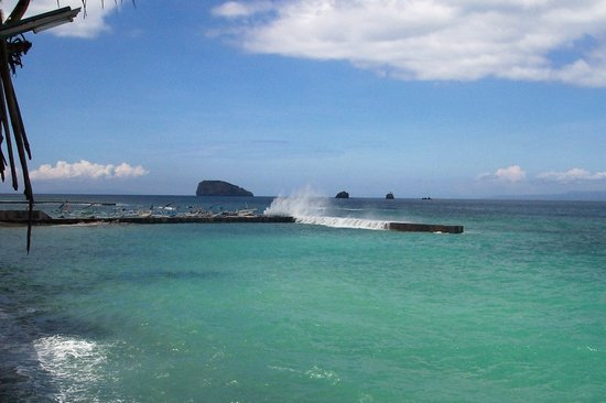 Candidasa, Indonesien: sea view with break walls