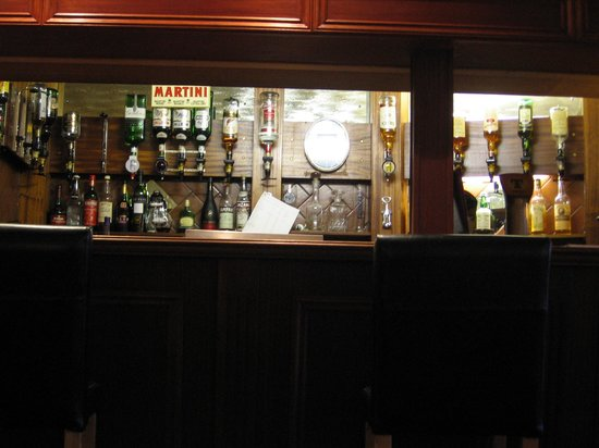 The bar in the Lodge's dining room