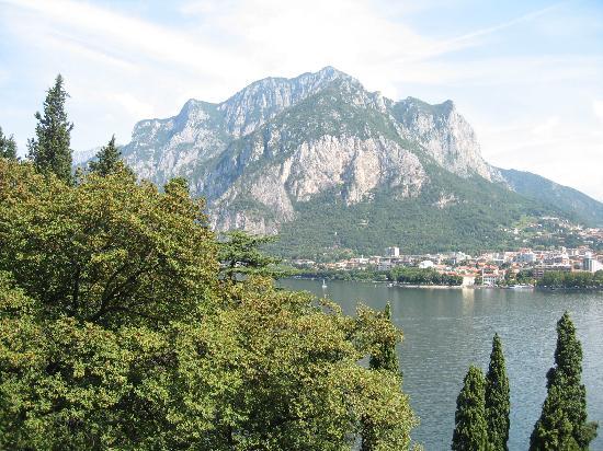Malgrate, Italien: vue sur le lac du balcon (1)
