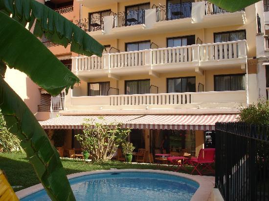 Sun Riviera Hotel: stunning garden