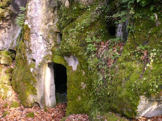 Monte epomeo isola d 39 ischia all you need to know for Case di pietra davanti