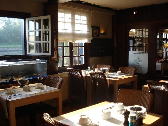 De Barge Hotel: Le restaurant avec vue magnifique sur la canal