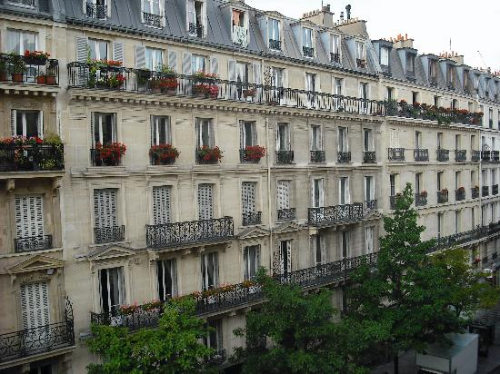 View from our balcony picture of paris france hotel for Hotel paris 11