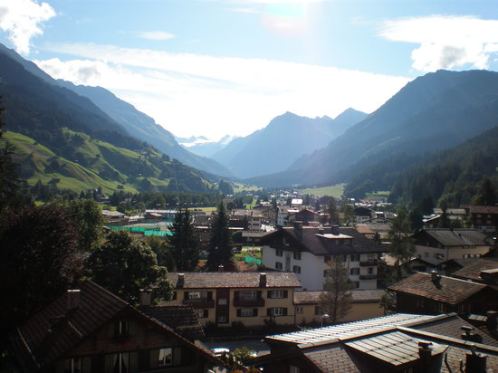 Silvretta Parkhotel Klosters: Another view from our room. Beautiful!